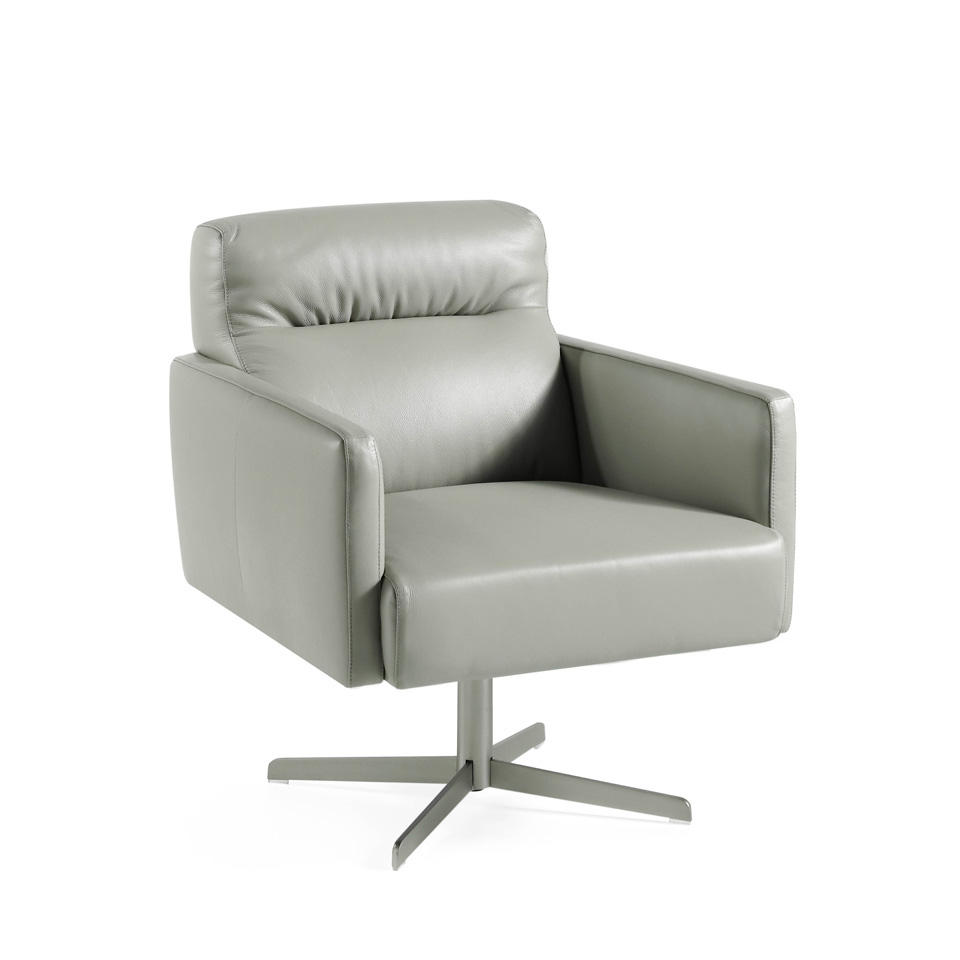 Swivel armchair upholstered in cowhide leather